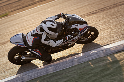 P90327343_highRes_the-new-bmw-s-1000-r.jpg